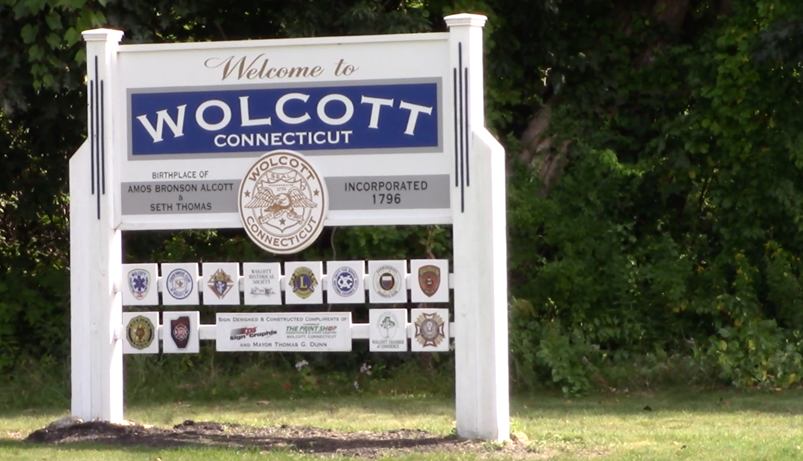 Wolcott Sign.png
